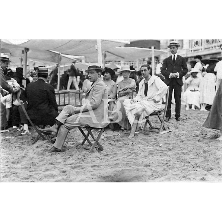 /08/1917 EN LA PLAYA DE SAN SEBASTIÁN. EL MATADOR DE TOROS VICENTE PASTOR (X), DE CUYA SUPUESTA RETIRADA TANTO SE HABLA ESTOS DÍAS: Descarga y compra fotografías históricas en | abcfoto.abc.es