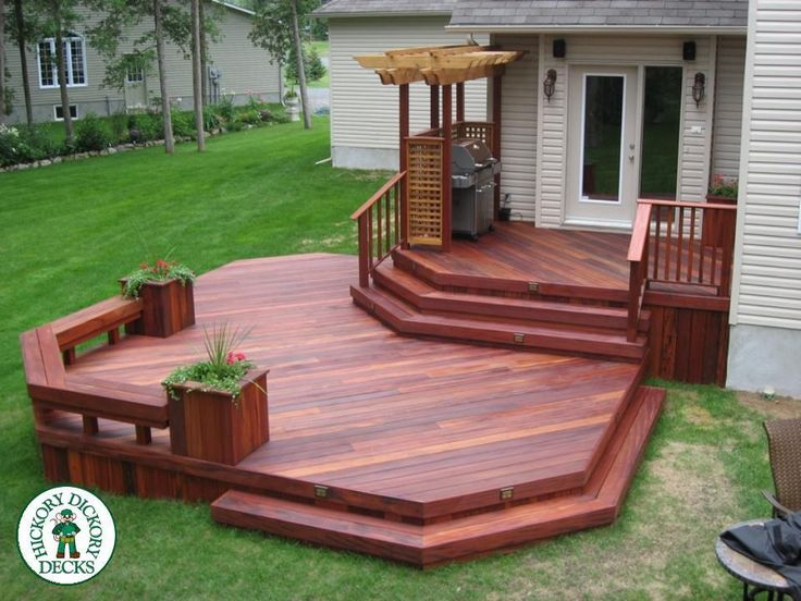 How is this one for a beautiful deck. This two level deck in Ottawa is a Tiger Deck hardwood. The stain really brings out the rich colour of this South