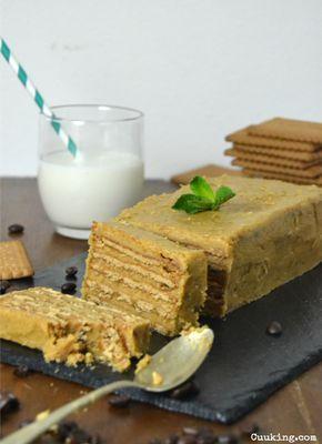 Tarta de moka con galletas