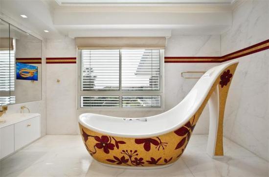 8 Luxury Bathroom Designs | Stiletto-shaped Bathtub and 24 Carat Gold Tiles in Israel