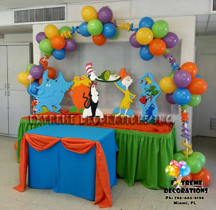 Dr suess birthday party i love the balloons cat in for Balloon ideas for kids