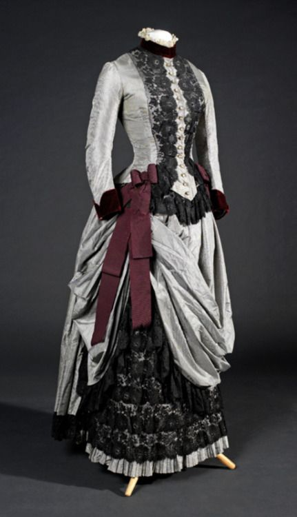 Day dress, 1885From the Museu del Disseny