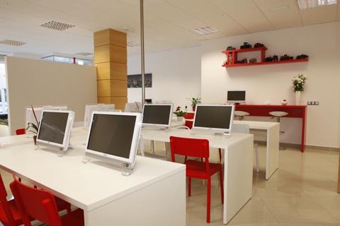 Instalaciones de autoescuela Belba en Castellón