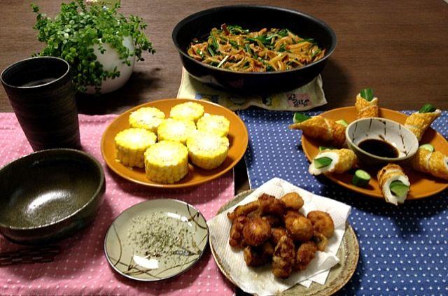 タコの唐揚げは油跳ねにご注意! (^_-) - 18件のもぐもぐ - タコの唐揚げ、トウモロコシのハーブ塩、豚肉のキムチ炒め、竹輪きゅうり、ビール by pentarou