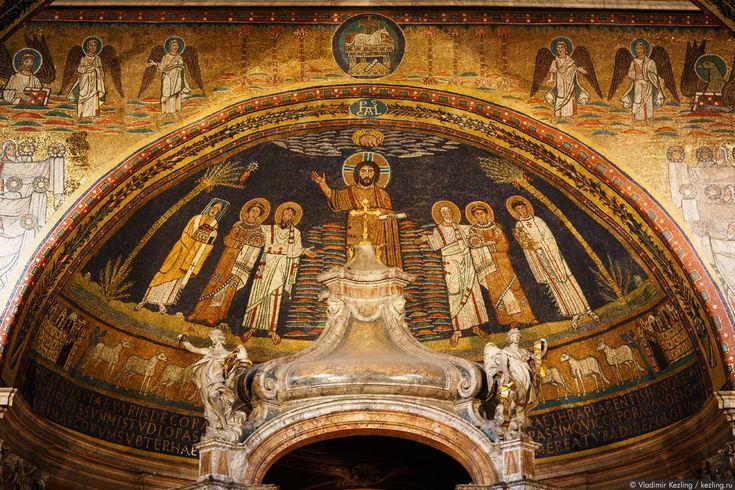 http://kezling.ru/wp-media/italy_in_winter_1_008.jpg Над головой Пасхалия I (слева) изображение птицы Феникса с не менее оригинальным лучистым нимбом. Такое представление Феникса было довольно распространено на заре христианства.