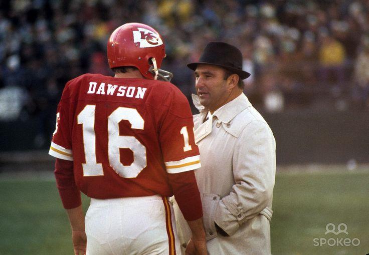 Kansas City Chiefs head coach Hank Stram talks to quarterback Len ...