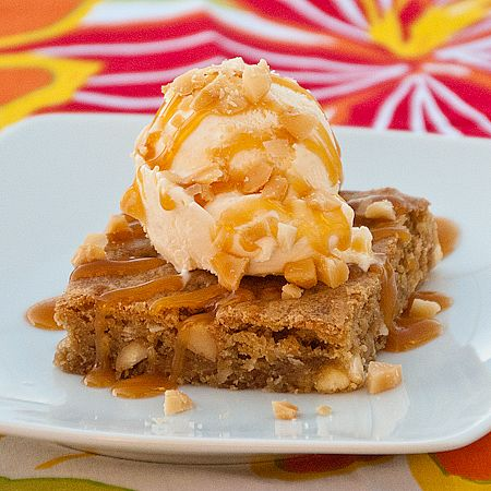 Chili's-Inspired Tropical Paradise Pie  http://realmomkitchen.com/11626/tropical-paradise-pie/