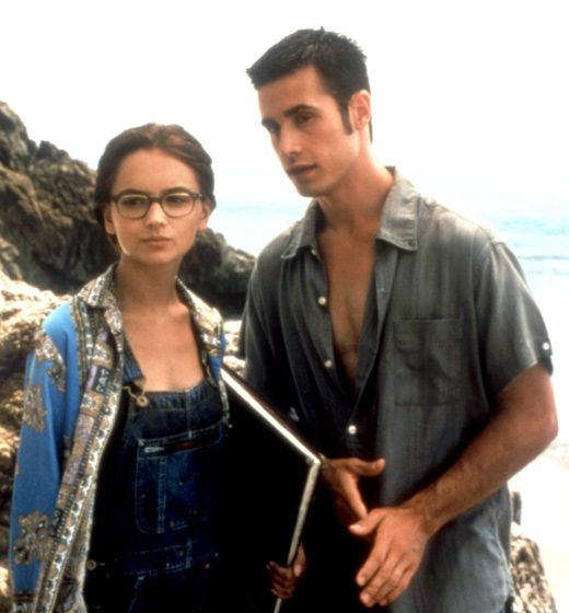 Did anyone else get pissed as a kid when the girl from she's all that changed her style?! She was rockin her before look.