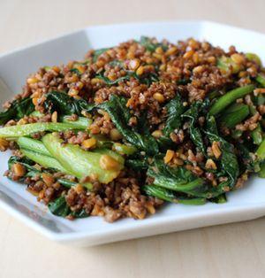 小松菜の納豆ひき肉炒め