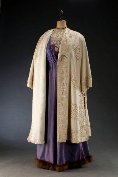 Divadelní plášť dámský | Anna Renner | 1912 | Www.Esbirky.Cz | CC0