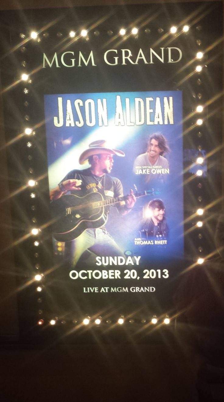 Jason Aldean and guests Jake Owen and Thomas Rhett :) :) Awesome show!