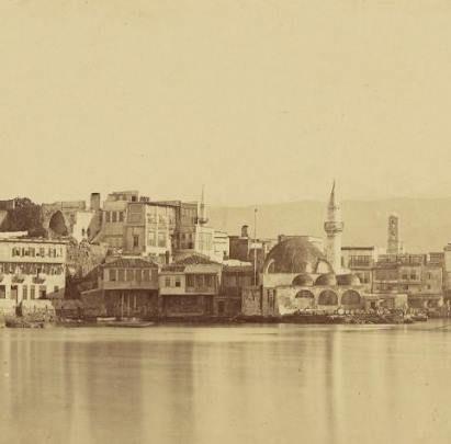 ΤΖΑΜΙ ΤΟΥ ΚΙΟΥΤΣΟΥΚ ΧΑΣΑΝ. Το πασίγνωστο τζαμί του Κιουτσούκ Χασάν (μικρού Χασάν), ή Γιαλί Τζαμισί (το παραθαλάσσιο τζαμί), ή Χαμάλ Τζαμισί (το τζαμί των Χαμάληδων) σε τμήμα φωτογραφίας του Baron Paul de Grances (1860-1870)