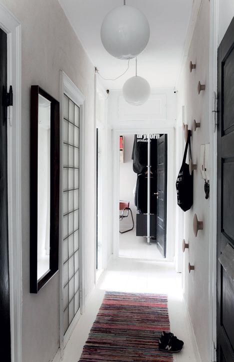 http://www.boligliv.dk/indretning/indretning/arkitekternes-eget-hjem-gron-bolig-i-byen/