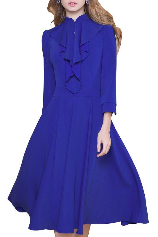 синее платье с юбкой средней длины, из трикотажной ткани