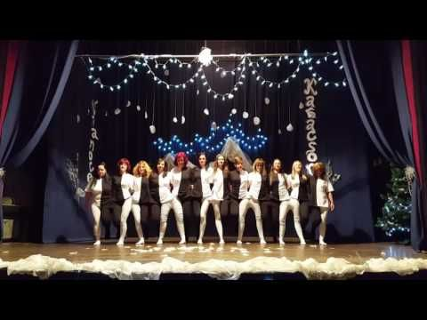 Tanec učiteliek - YouTube