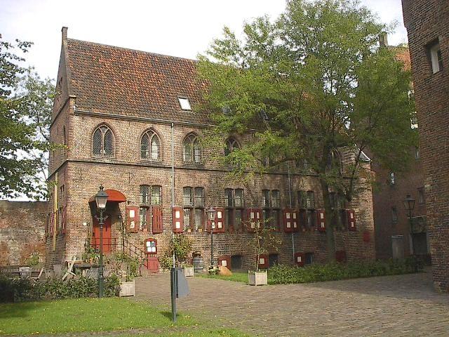 De Librije is een restaurant in Zwolle, de hoofdstad van de Nederlandse provincie Overijssel. Het restaurant kreeg van de uitgever van eetgidsen Michelin drie sterren. Eigenaar en chef-kok is Jonnie Boer. De Librije is gevestigd in de voormalige bibliotheek (librije) van een 16e-eeuws kloostercomplex. Boer kookt voornamelijk met seizoensgebonden (streek)producten.