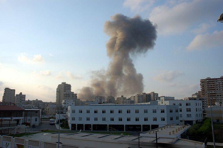 イスラエル軍による空爆(2006年) Tyre air strike ◆レバノン - Wikipedia http://ja.wikipedia.org/wiki/%E3%83%AC%E3%83%90%E3%83%8E%E3%83%B3 #Lebanon