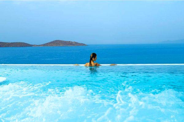 Vue incroyable sur la #mer #Méditerranée depuis l'hôtel en Crète #voyages #vacances #séjour #grece #crete