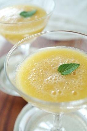 塩レモンが隠し味?夏の桃スープ レシピブログ