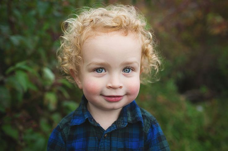 cutest face.... with the cutest curls      www.tammykaniganphotography.com