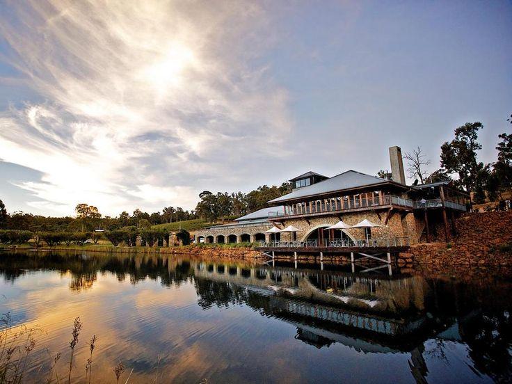 Beautifulk lakeside #weddingvenue at Millbrook Winery