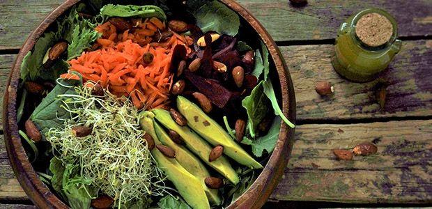 Salade repas tamari pesto