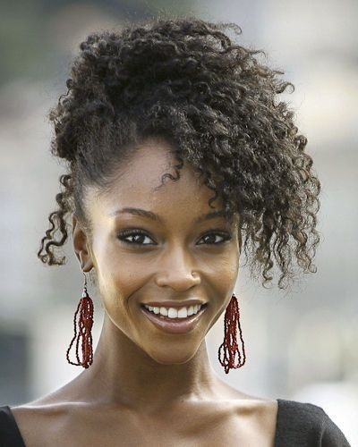 Love this really cure and simply chic hairstyle!