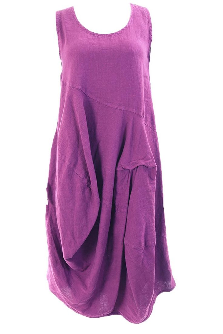 Grizas exclusieve grote maten damesmode jurk Nadya linnen mouwloos voor een maatje meer met builen en ophalen in de rok.   A Lot of a Woman