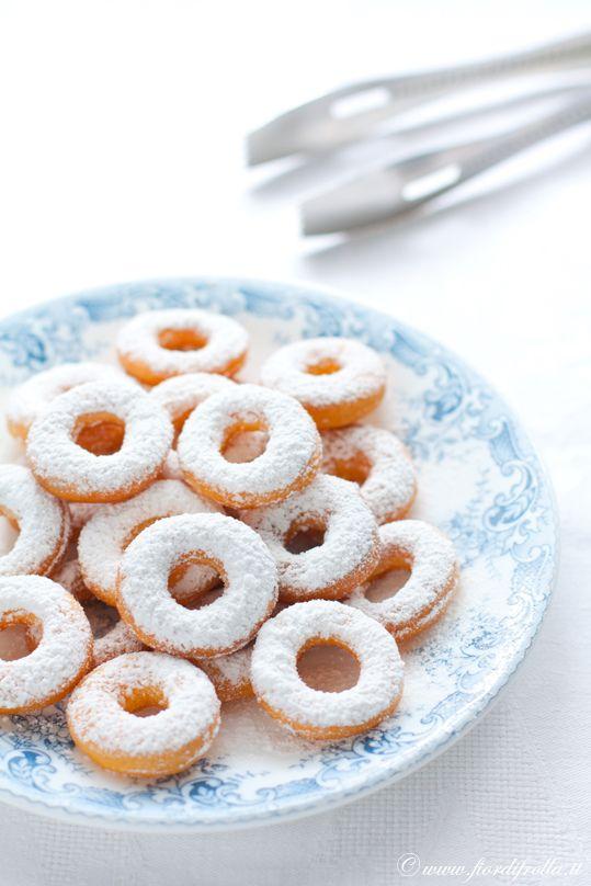 Carnevale food, the best way to celebrate mardì gras / pancake day    Ciambelline di Carnevale, English recipe