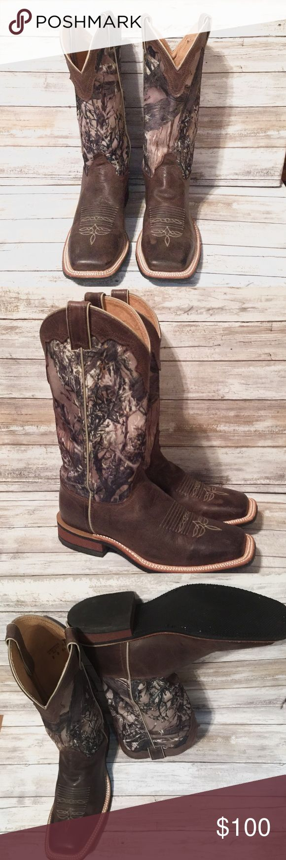 "Justin men's brown cowhide with camo cowboy boots Justin cowboy boots only worn twice by a size 9.5-10 woman. J-Flex flexible comfort system insole with an internal flexible midsole for comfort. 13"" Tru Timber MC2 Green camo upper with worn brown collar and chocolate brown cowhide boot. All directional durable 10 iron performance outsole for traction. Square toe. Men's Size 8D Justin Boots Shoes Heeled Boots"