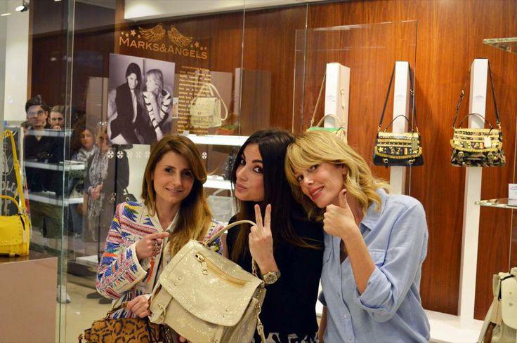 Eccomi con le bellissime @Alessia Marcuzzi  e laura angelilli da Bonvicini per il Marks&Angels tour #fashion #fashionblogger #lapinella #marksandangels #montecatiniterme #fashionblog