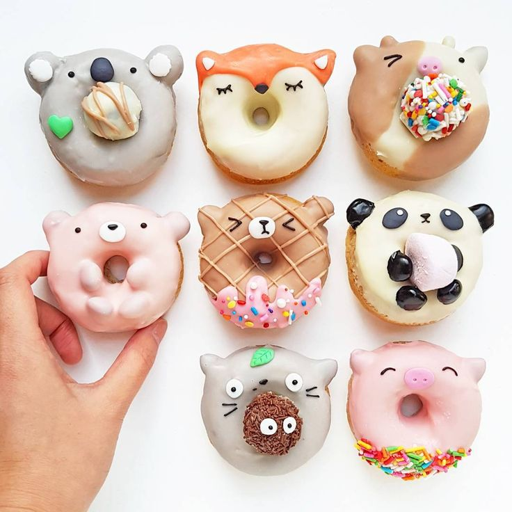 Animal donuts by Vickie Liu  (@vickiee_yo)