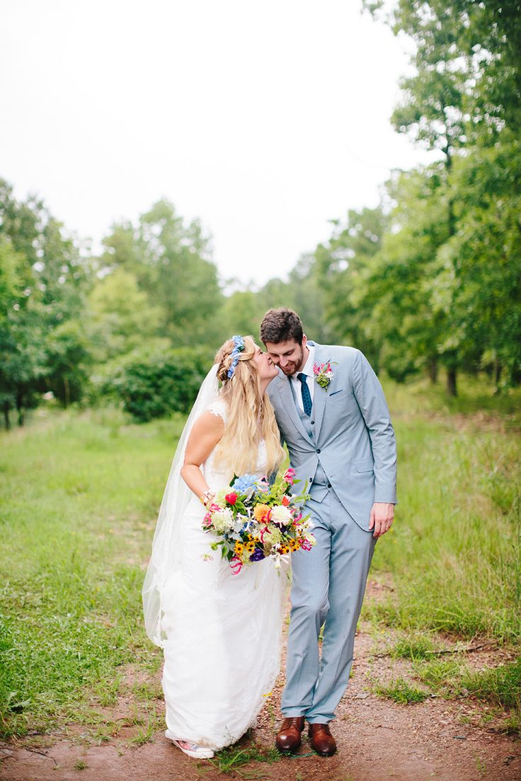 Photography: Millie Holloman Photography - millieholloman.com  Read More: http://www.stylemepretty.com/2015/06/04/whimsical-boho-chic-wedding-in-north-carolina/