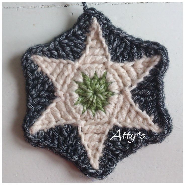 Star Hexagon, free Pattern by Atty's, in English and Dutch with chart