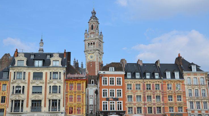 Que faire à Lille en une journée ou un weekend ? Découvrez la beauté du patrimoine lillois, flânez dans le Vieux-Lille et goûtez aux spécialités locales.
