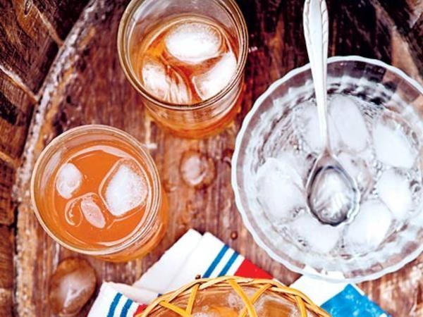 Rabarber- och ingefärslemonad
