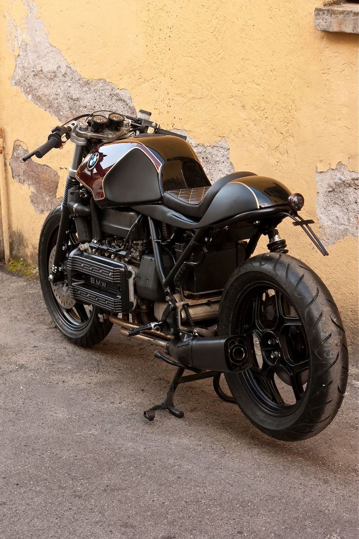 Car amp bike fanatics suzuki m50 bobber bike - Cafe Racers Scramblers Street Trackers Vintage Bikes And Much More The Best Garage For Special Motorcycles And Cafe Racers
