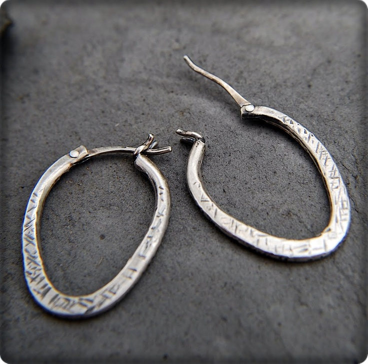 Hinged Hoop Earring tutorial