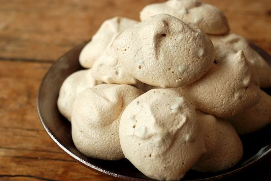 Chocolate chip meringues: Chip Meringues, Chocolate Chips
