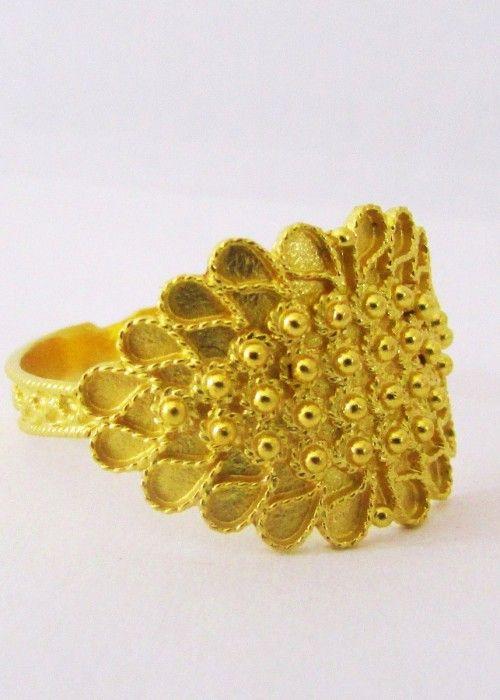 Il Laboratorio orafo ESSEFFE realizza gioielli unici in oro, argento, corallo sardo, interamente fatti a mano con le antiche tecniche dell'arte orafa sarda. Fede sarda in oro