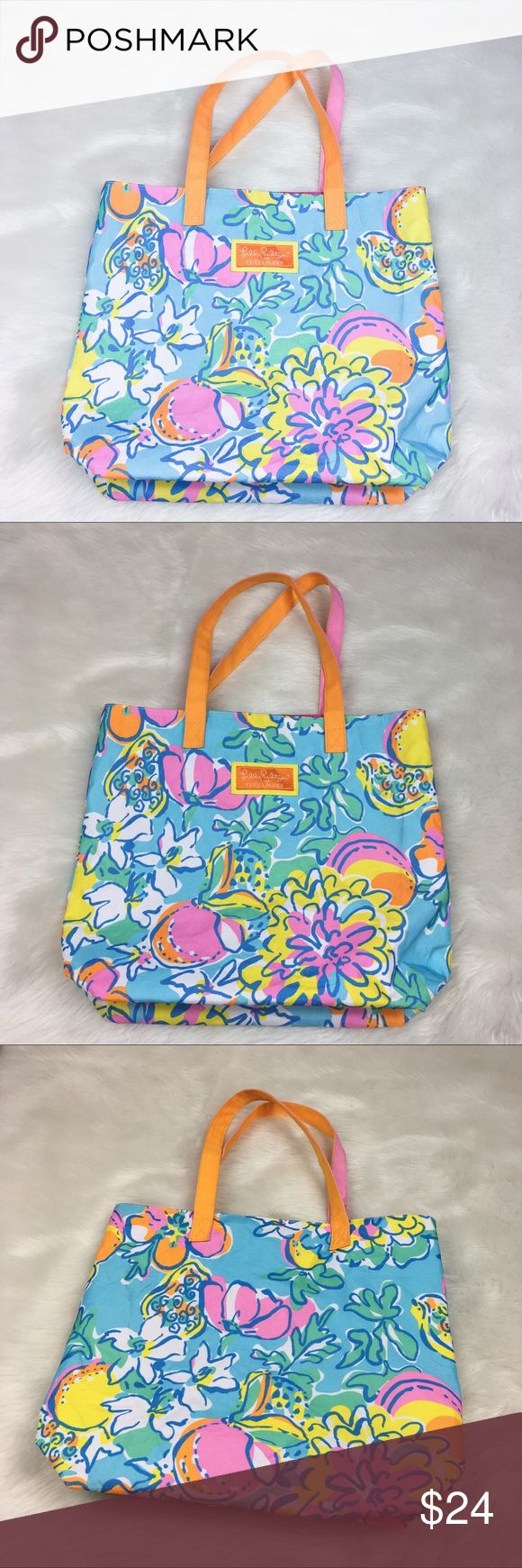 Lilly Pulitzer for Estee Lauder Tote Lilly Pulitzer for Estée Lauder tote bag. One size. Approximate measurements flat laid 14' long, 12' wide, and 5' deep. GUC with some wear to the outside and just a few light stains in the inside bottom. Perfect for a beach tote!! ❌ Modeling ❌No PayPal or off Posh transactions ❤️ I 💕Bundles ❤️Reasonable Offers PLEASE ❤️ Bundle & SAVE❗️❗️ Lilly Pulitzer Bags Totes