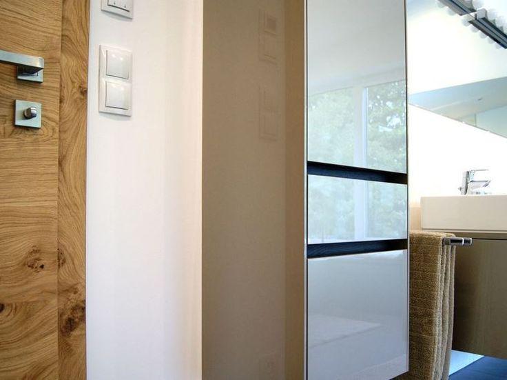 #Badezimmer von krumhuber.design - Materialien: champagner met., eiche tabacco