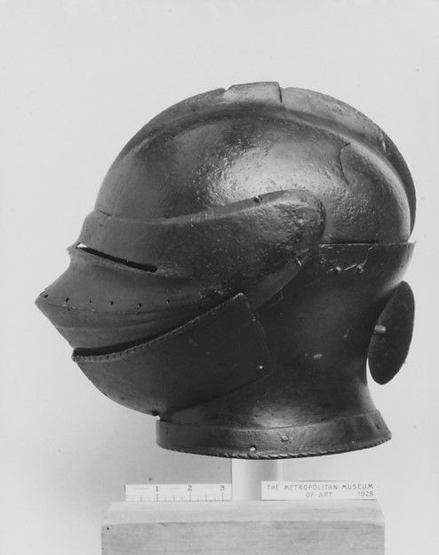 Dating german helmets