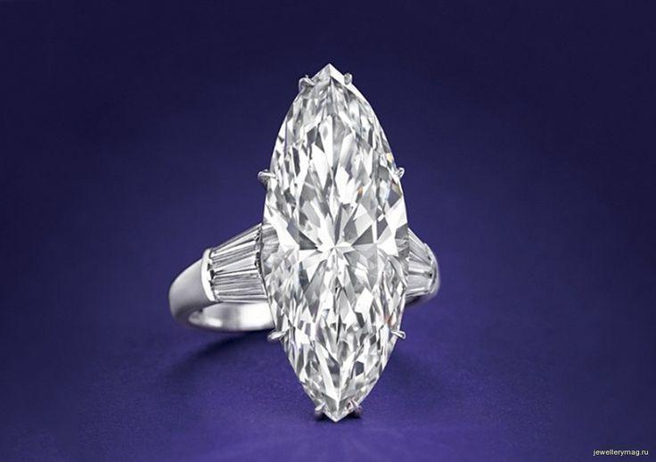 Кольцо с центральным бриллиантом огранки «маркиз» весом 18,8 карата