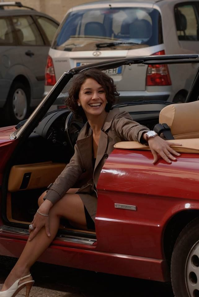 Alfa Romeo Spider | Morena Baccarin