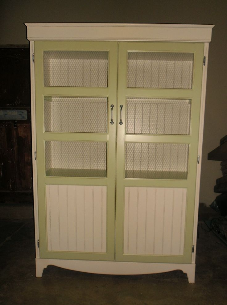 Two-tone display cupboard in Vintage Green and white with mesh-wire