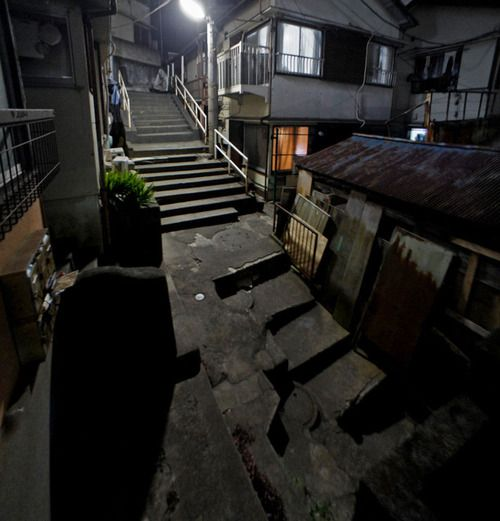 夜散歩のススメ「複雑怪奇な階段」東京都板橋区