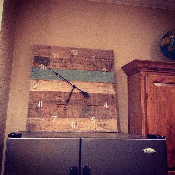 DIY clock made from pallets. Cut, sand/plane, glue/clamp, sand again/finish and add a clock mechanism. Woodcraft has a ton of clock kits to choose from. #DIY Pallet Furniture #Easy DIY Clock