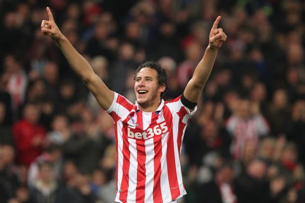 Stoke City star Ramadan Sobhi shows up our youngsters says Macari