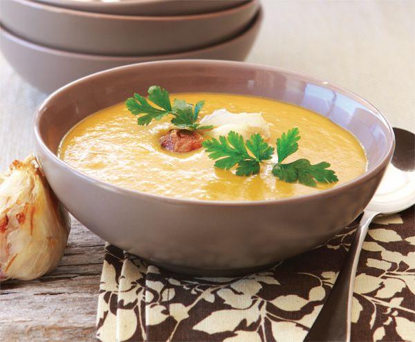 Recept: Zoeteaardappelsoep met knoflook